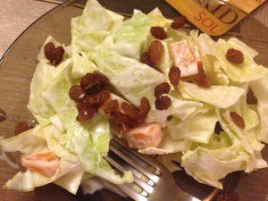 Salade de Chou Cabu, mimolette et raisons secs